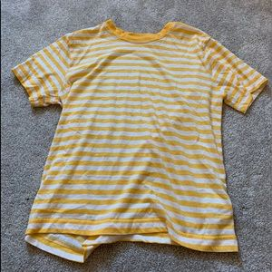 White and yellow short sleeve T-shirt